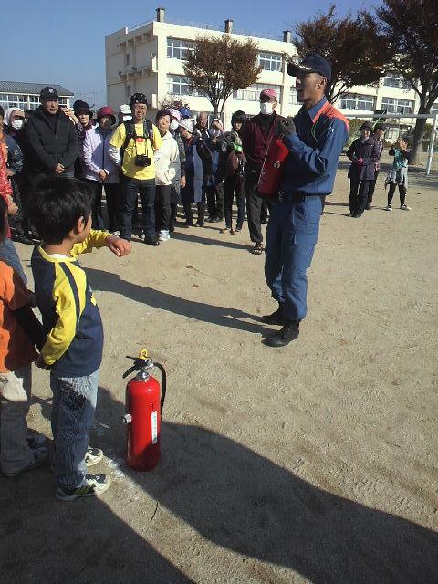 水消火器訓練   (1).JPG