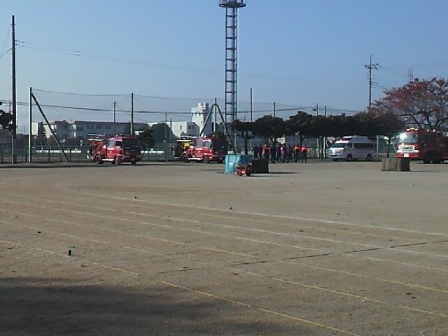 消防車集合(1).JPG