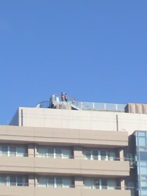 ドクヘリ病院 到着待機20131121.jpg