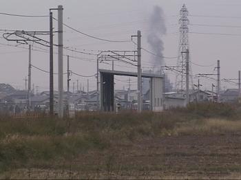 伊勢崎駅出発直前の黒鉛.JPG