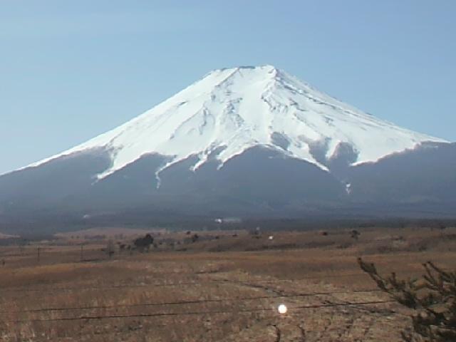 体推研修旅行・高速からの富士山・2013.jpg