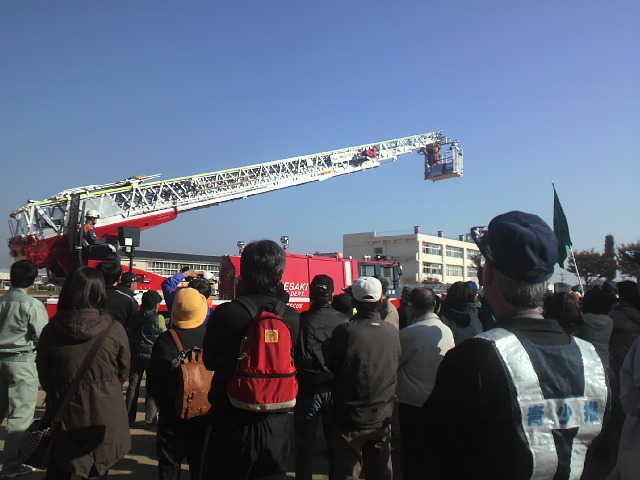 消防梯子車(3).JPG